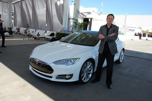 """Elon Musk, The Visionary: """"If No One Else Does it, I Will"""" and Things to Learn From Him"""