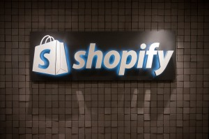 From Click to Ship: A Detailed Dive into Ecommerce Platforms